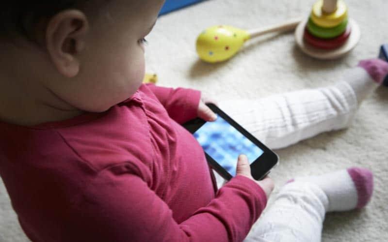 Age moyen premier smartphone