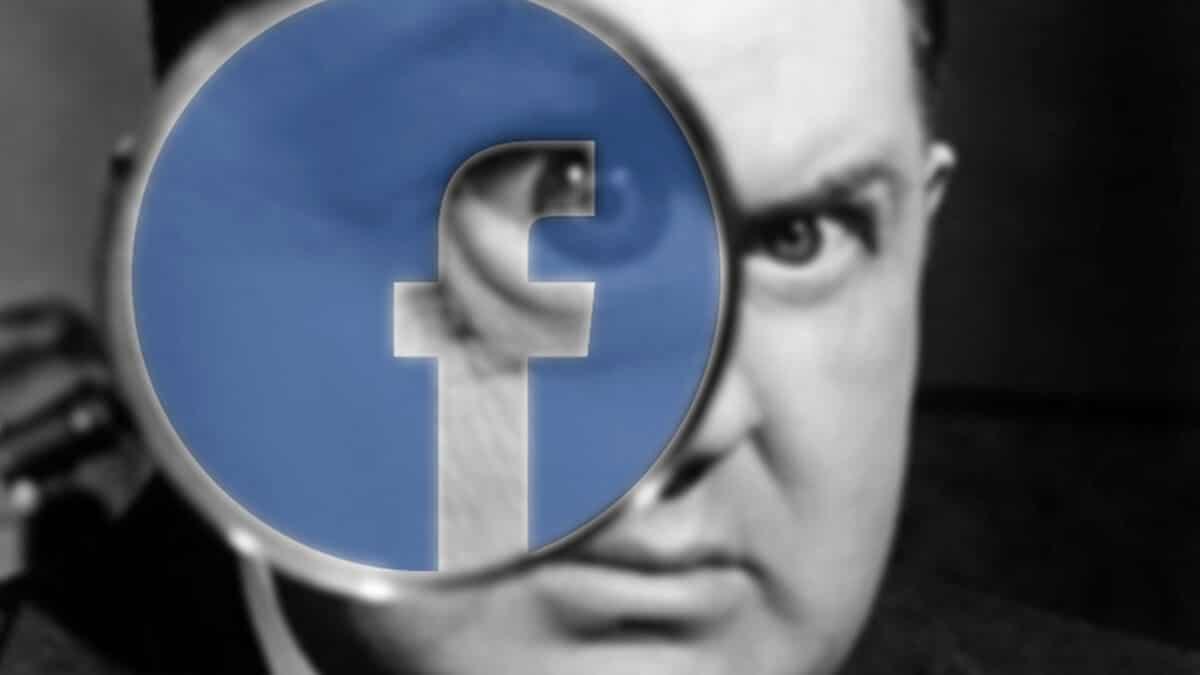 facebook espionne