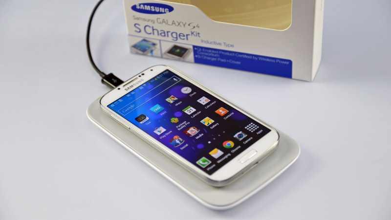 Galaxy S4 : le chargeur sans fil officiel de Samsung en vidéo