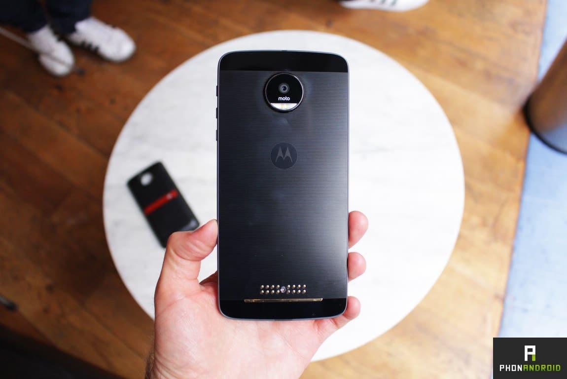 Lenovo Moto Z : prise en main du smartphone aux modules révolutionnaires