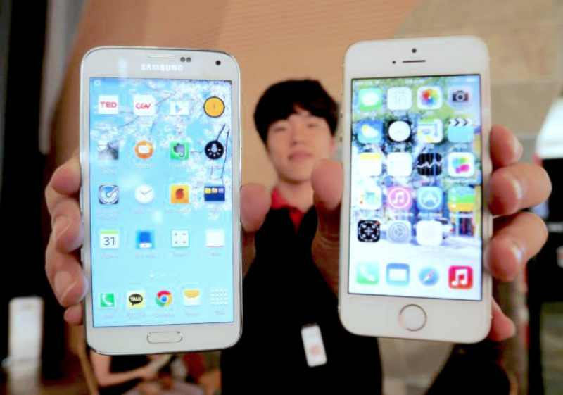 Samsung Galaxy iPhone