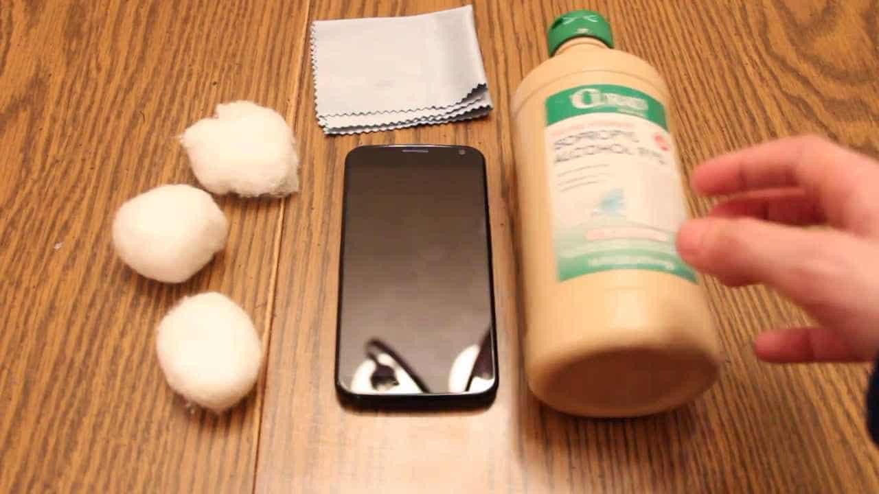 materiel nettoyer smartphone