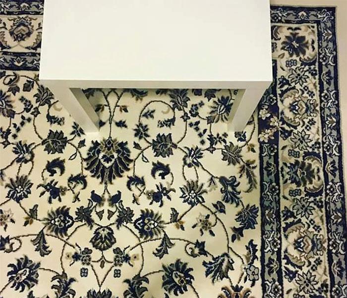 la nouvelle nigme du web trouver le smartphone sur cette photo. Black Bedroom Furniture Sets. Home Design Ideas