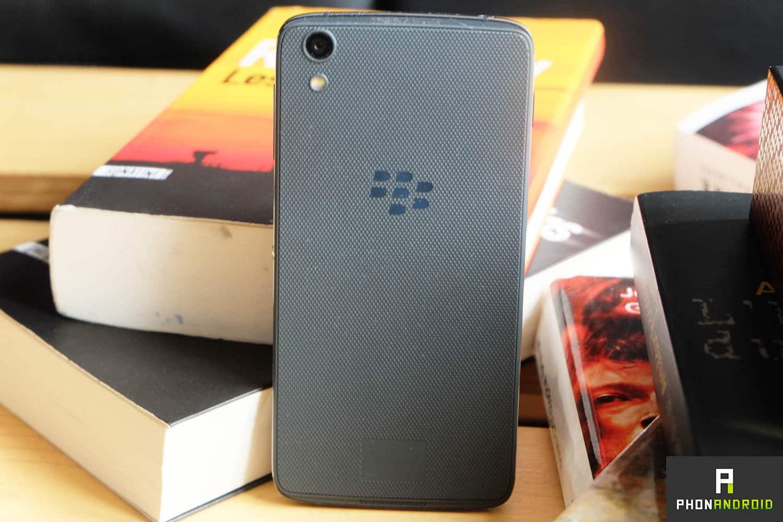 blackberry dtek50 design