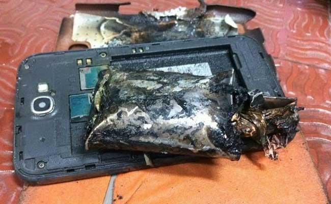 Un Samsung Galaxy Note 2 explose dans un avion en plein vol !