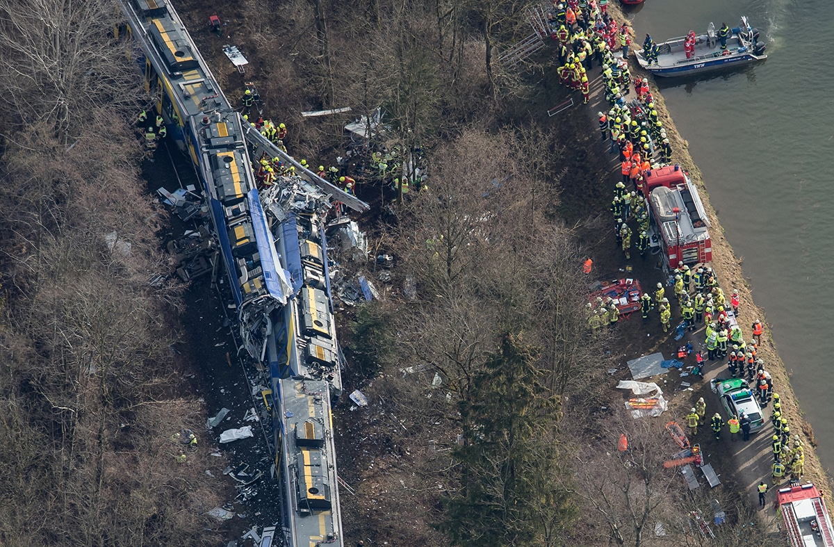 accident train jouer smartphone