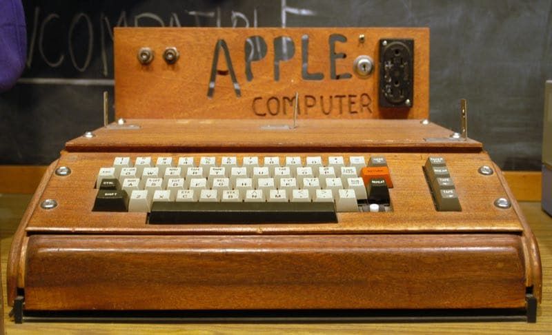 apple 1 200 000 dollars