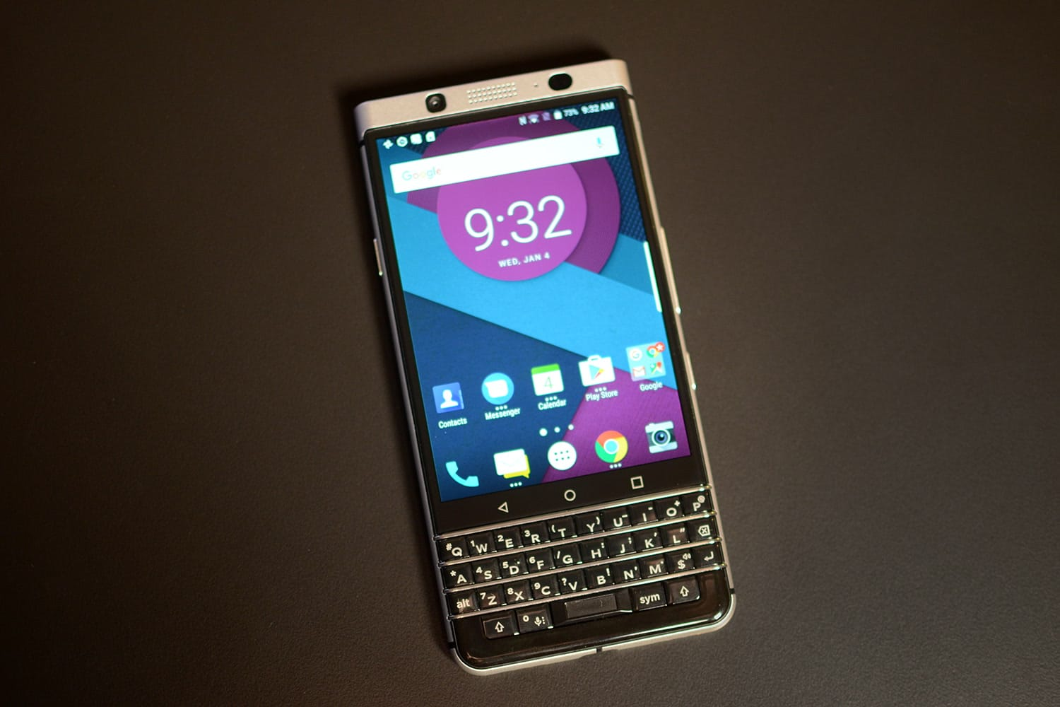 blackberry mercury un teaser et une date d 39 annonce d voil s. Black Bedroom Furniture Sets. Home Design Ideas