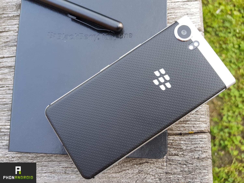 test blackberry keyone design