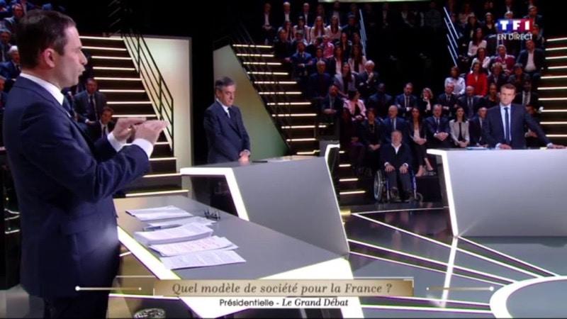 francois fillon debat presidentielle smartphone