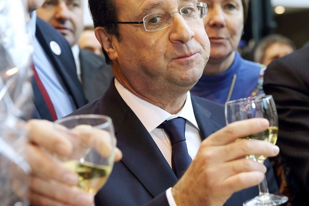 francois hollande facebook pirate