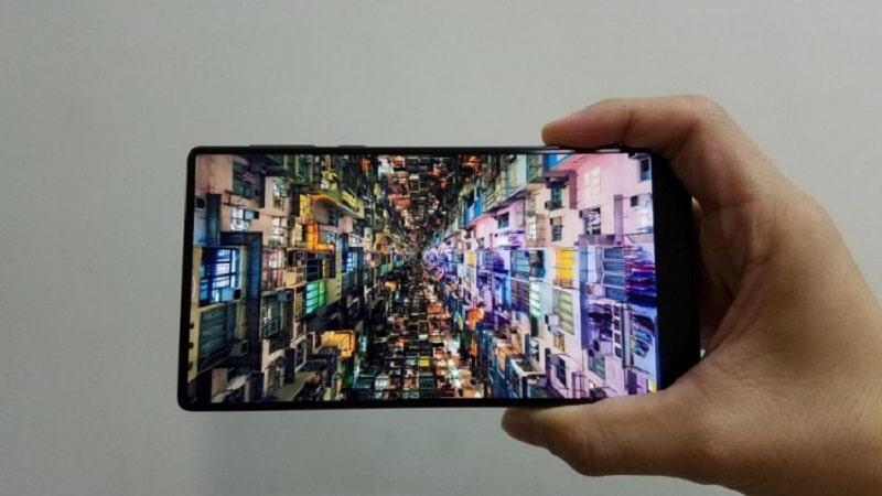 Maze alpha smartphone borderless