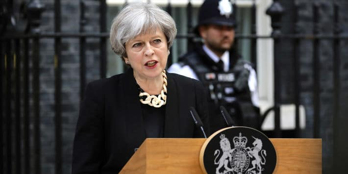 theresa may, attentats londres 2017 critique