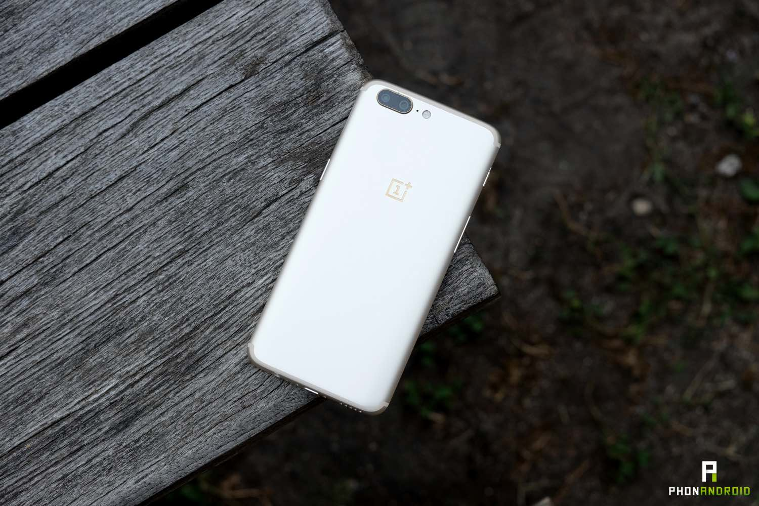 oneplus 5 gold design