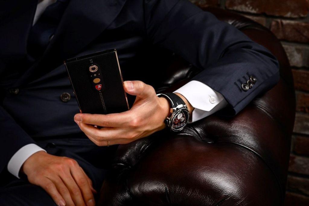 Lamborghini dévoile un smartphone Android à 2 450$ !
