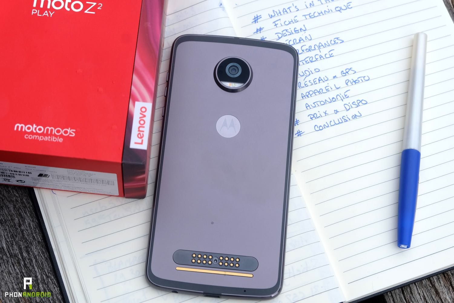 test moto z2 play fiche technique