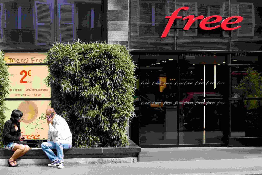 free cash investigation directeur centre appels démission