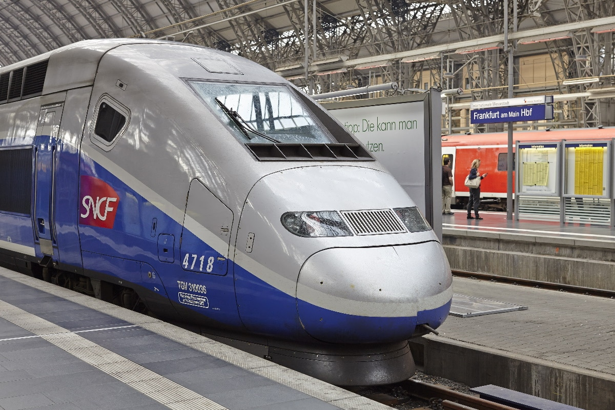sncf application smartphone assistant
