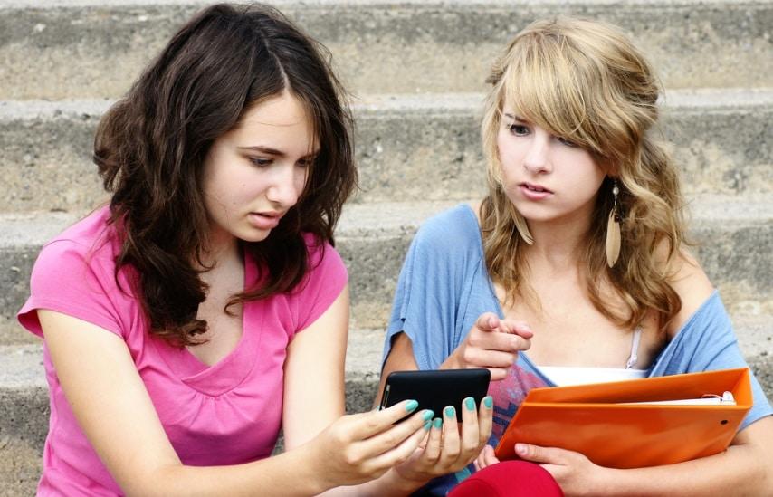 smartphone adolescents