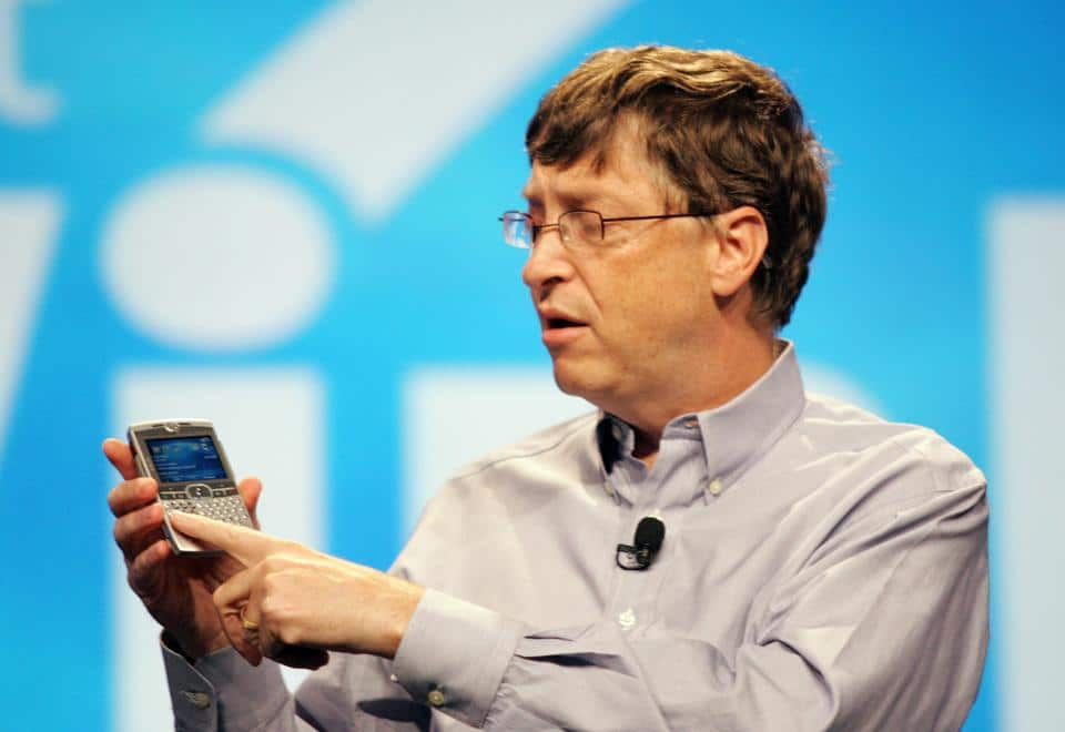 bill gates pourquoi il pr f re un smartphone android plut t qu 39 un iphone. Black Bedroom Furniture Sets. Home Design Ideas