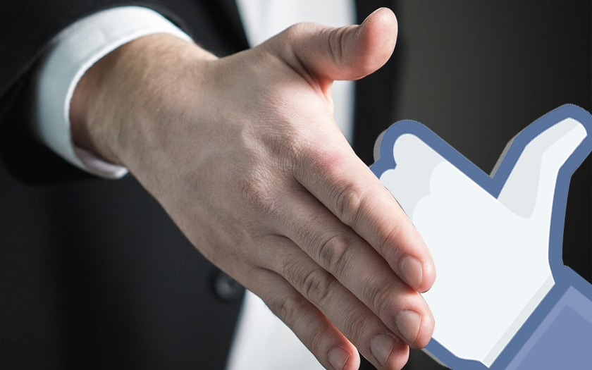 facebook cv poignee main