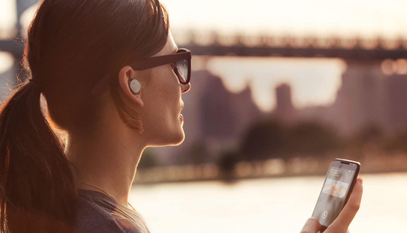 Google annonce Home Mini, la miniature de son enceinte connectée