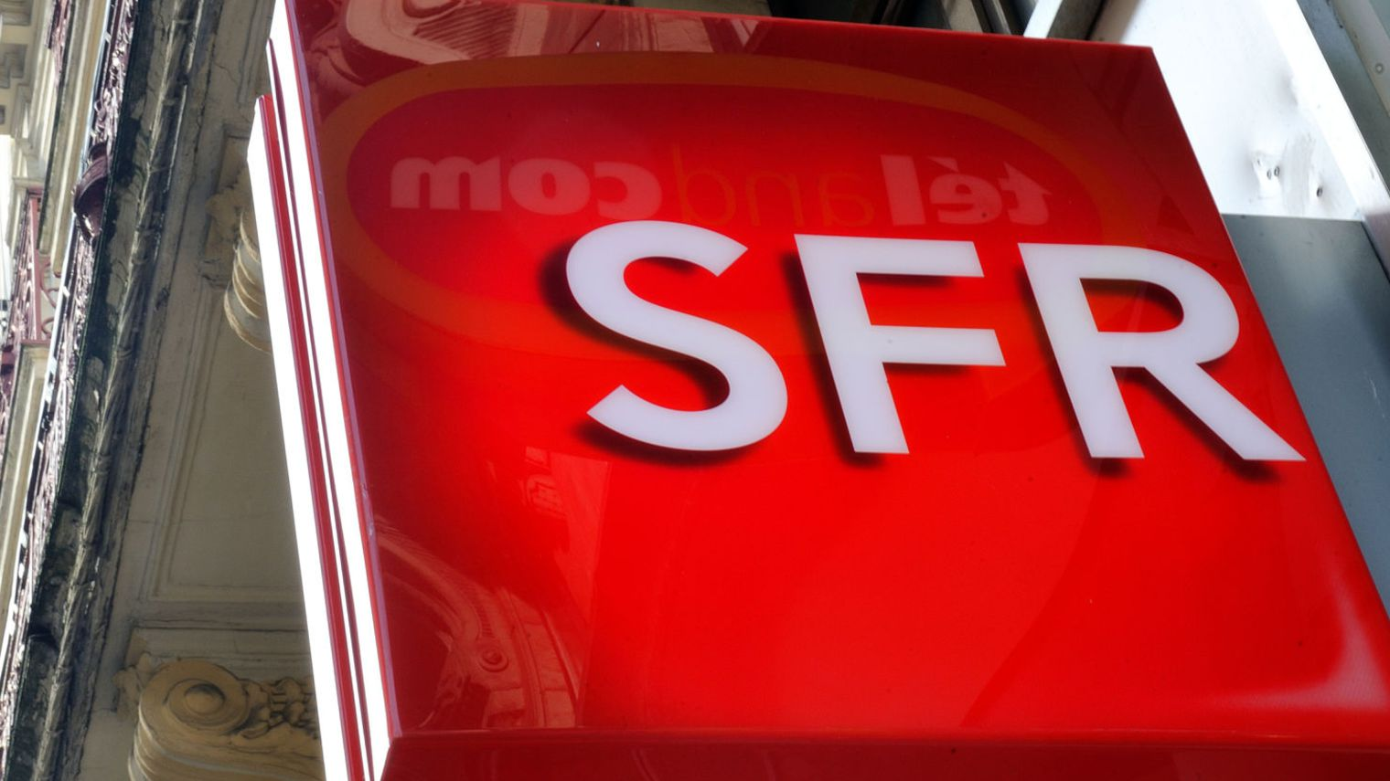 Son plan pour fibrer la France seul est dangereux, selon l'Arcep — SFR