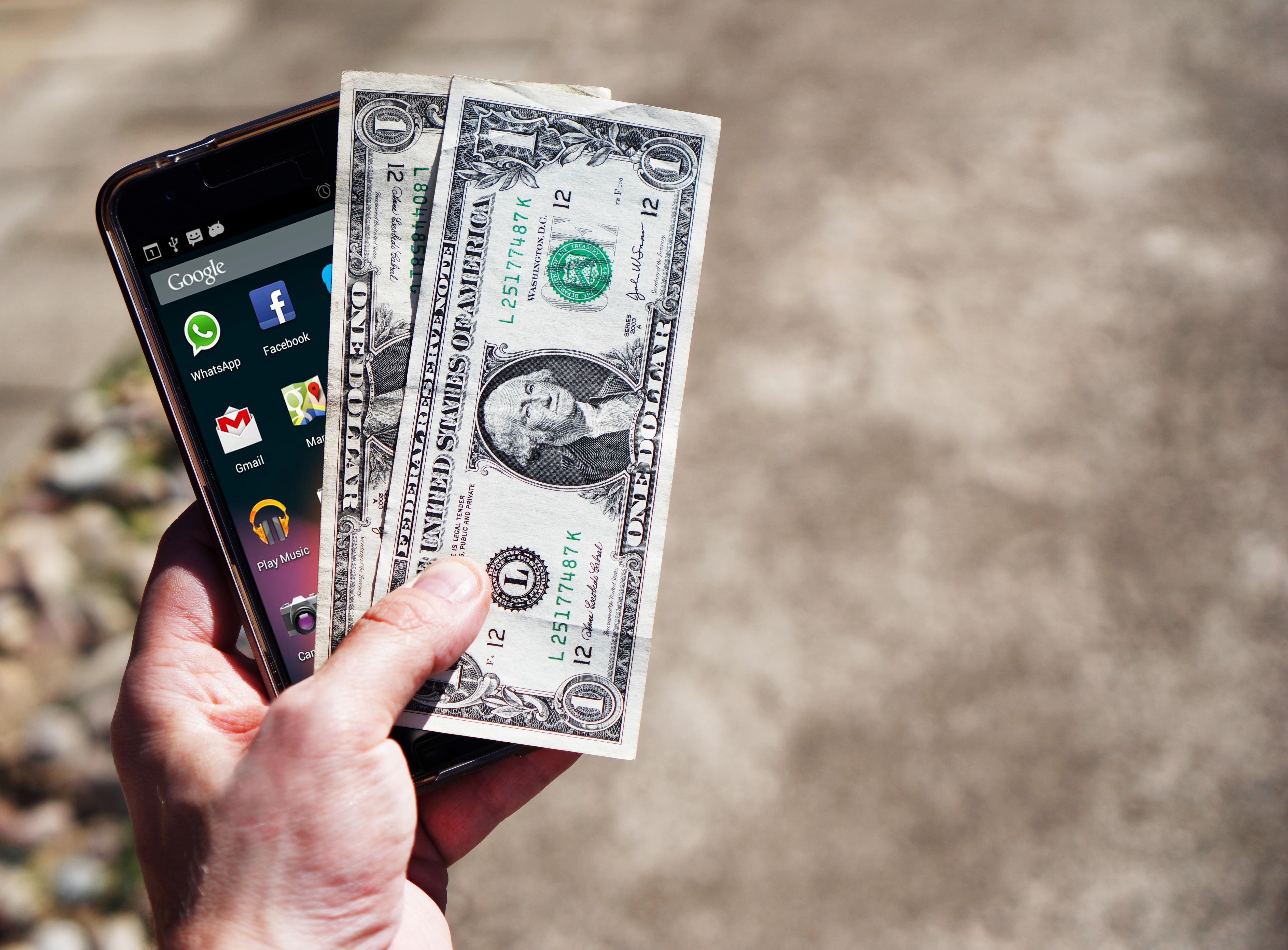 smartphone finance banking