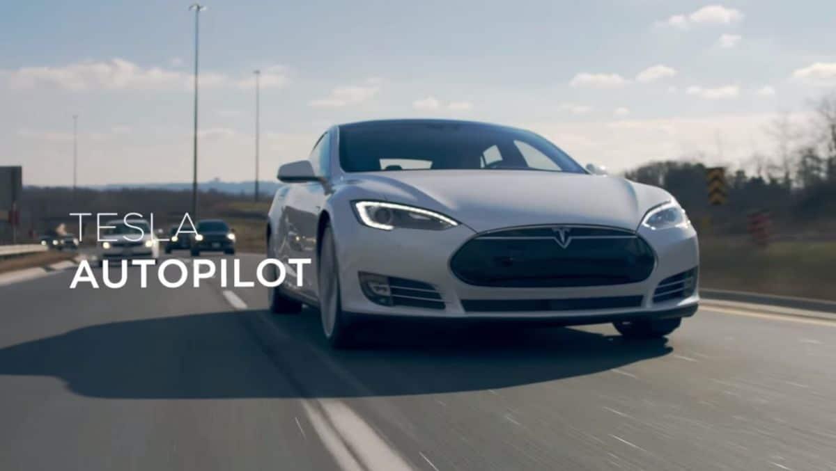 tesla voitures autonomes