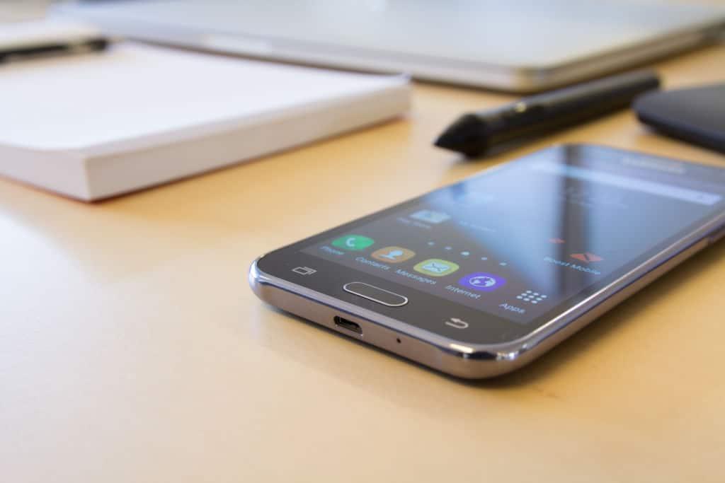 smartphones écrans anti reflets verre futur