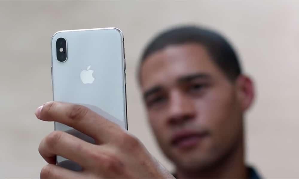 apple iphone x face id trompe
