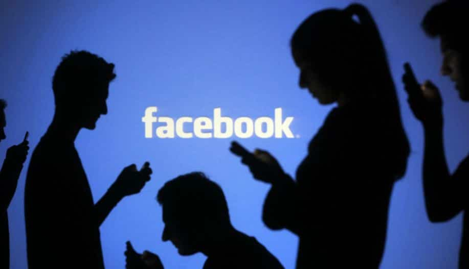 Facebook 10 millions intelligence artificielle