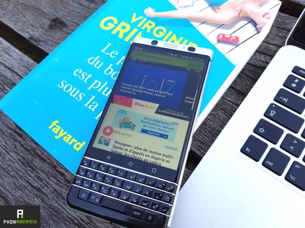 blackberry 2 smartphones android clavier physiques