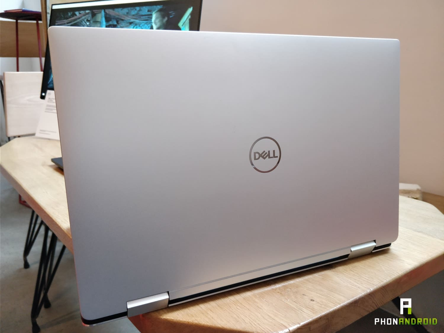 dell xps 15 2 en 1 design