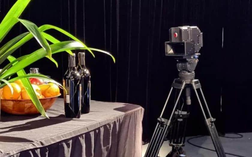 red hydrogen one camera 8K 3D