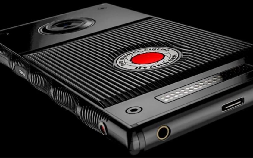 red hydrogen one smartphone holographique retard