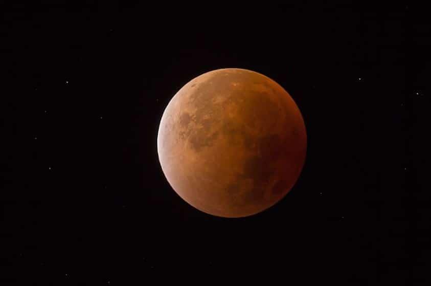 éclipse lune rouge