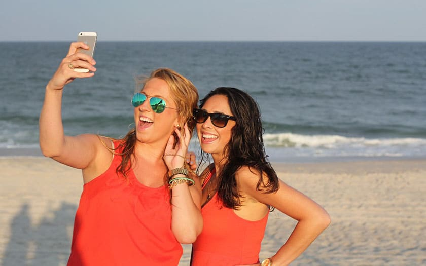 plage sable smartphone