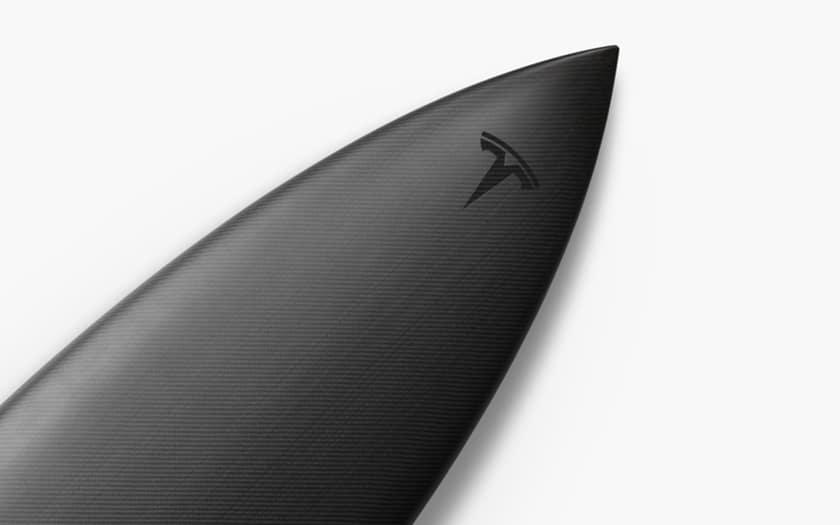 tesla lance une planche de surf dition limit e au prix de 1500 dollars. Black Bedroom Furniture Sets. Home Design Ideas