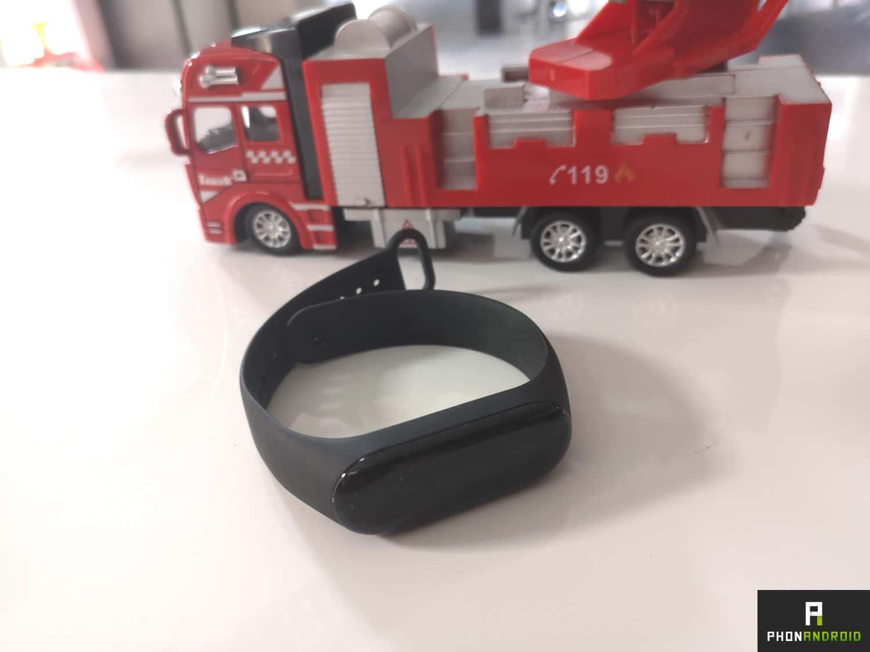 test xiaomi mi band 3 le champion des bracelets connect s. Black Bedroom Furniture Sets. Home Design Ideas