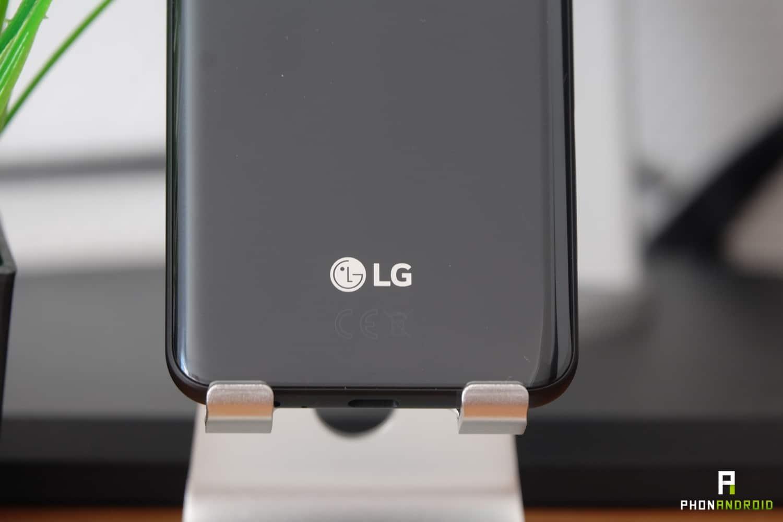 test lg q7 design details logo