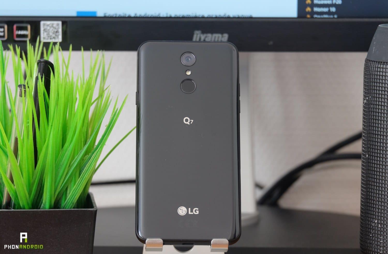 test lg q7 design