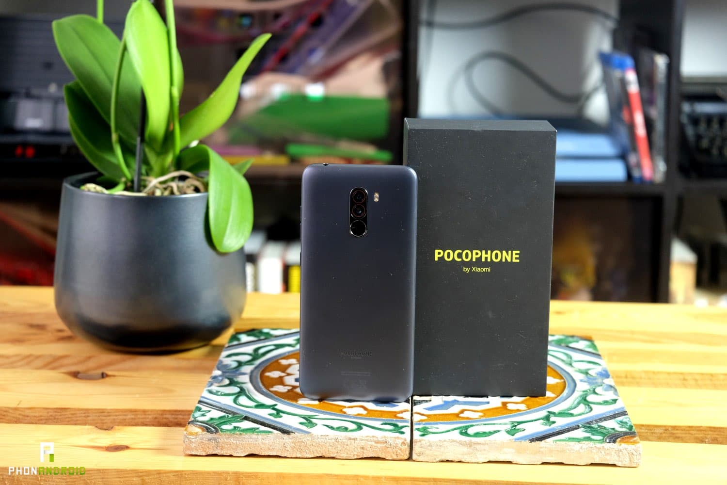test pocophone f1 design