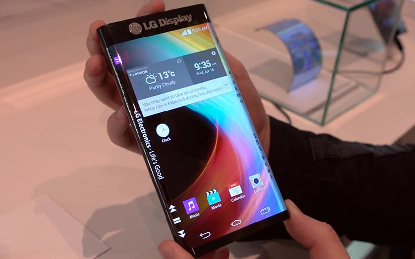 LG smartphone pliable