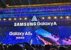 galaxy a8s samsung ecran trou