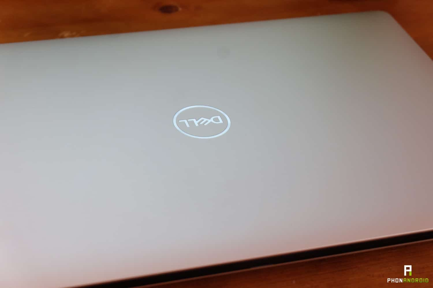 test dell xps 15 2018 logo