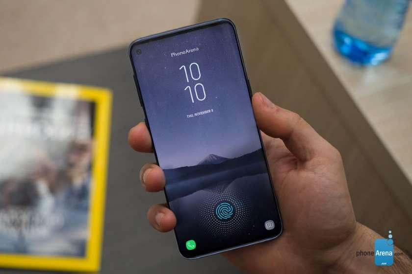 Galaxy S10 voici un aperçu de son écran Infinity-O, avec capteur photo caché dans un trou