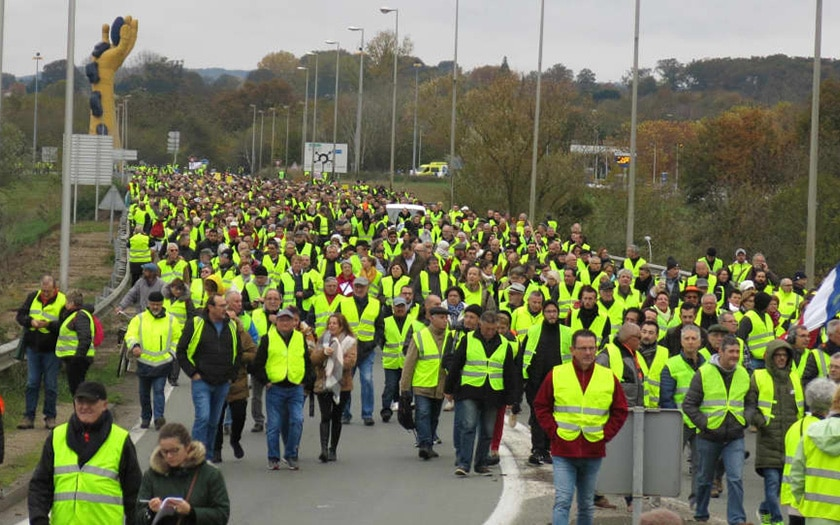 gilets jaunes facebook compteur officiel recense manifestants france