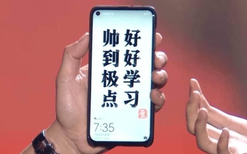 huawei smartphone trou ecran galaxy S10 premières photos