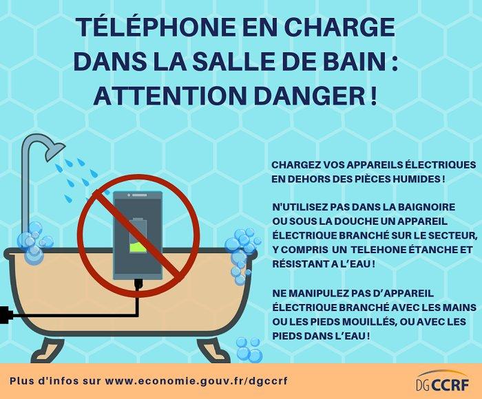 recharger son telephone dans la salle bain est dangereux